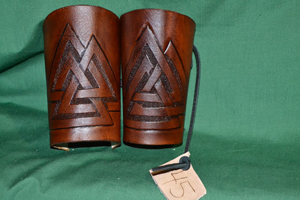M7-MediumBracers-lightbrown